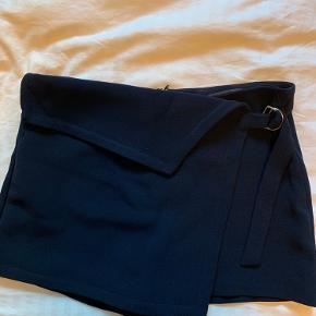 Nederdel og shorts i én