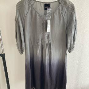 Uldahl kjole