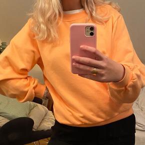 Smukkeste sweatshirt fra envii sælges. Den er super blød i materialet og sidder super flot på kroppen🧡
