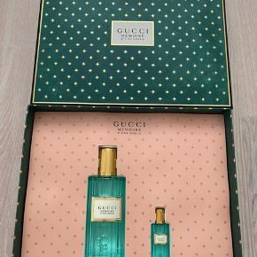 Helt nyt sæt Gucci Mémoire D'une Odeur. 60 ml. Eau de Parfum  samt taskestørrelse .5 ml eau de Parfum. Har kun haft den store åbnet for at dufte til den.