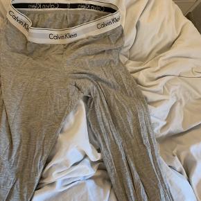 Calvin Klein tøj