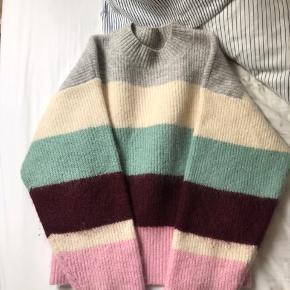 Trend  uld sweater fra H&M  Brugt meget få gange  Str. 34 Np. 399kr