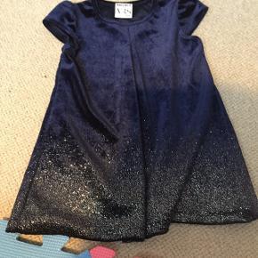 Rigtig fin velour kjole fra Mads og Mette, brugt en gang.