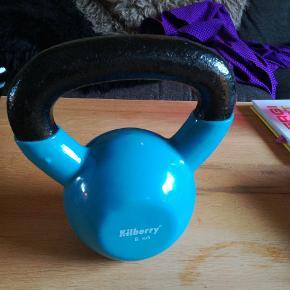 Kilberry kettlebell 8 kg - kan bruges til træning af flere forskellige muskelgrupper, kettleswings, squats, walking lunges mm.