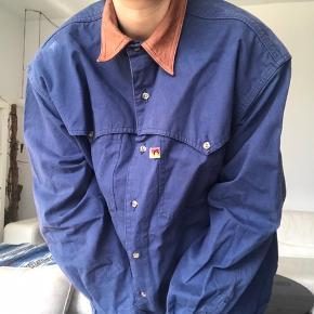 "Skjorte som jeg har brugt til sommer aftener som en oversized ""jakke"""