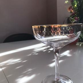 Smukke helt nye cocktailglas fra Nordal. Aldrig brugt, stadig i kassen.
