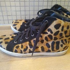 Moss Copenhagen sneakers
