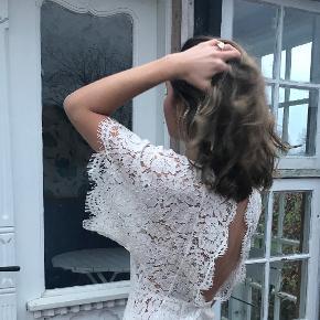 Smuk kjole. Brugt til galla. Np: 2000kr