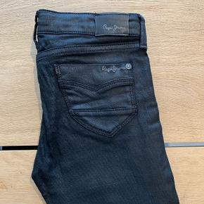 Seje sorte jeans, model Pixlette str. 10
