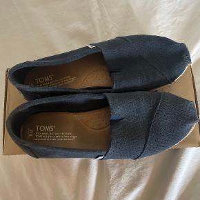 TOMS flats