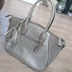 Smuk taske, sendes med Dao:)