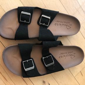 Sketchers sandaler