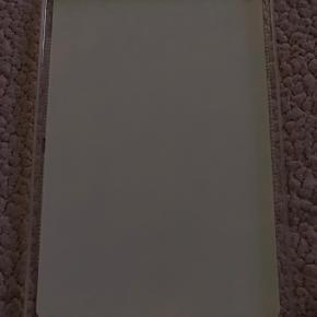 Flot rødt Cover m/ roser til Samsung Galaxy Tab 2 10.1 Brugt meget lidt  Og derfor pænt. 100 %