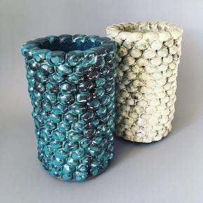 Fineste petroleumsblå vase. Håndlavet og unik.  25cm høj 16cm bred