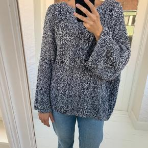 Sweater fra H&M i str. XL Materiale: 60 % bomuld og 40 procent akryl