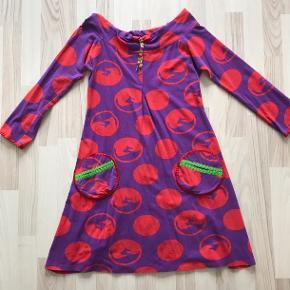 Margot kjolen Soul kiss, str S.   Længde: 86 cm Armhule til armhule: 45 cm  Prisen er plus porto.