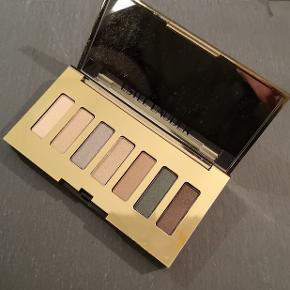 Pure Color Envy Sculpting Eyeshadow PaletteEnkelte af skyggerne er brugt en gang, eller to