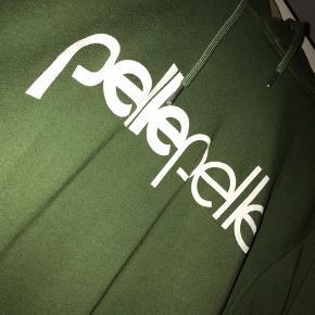 Fed ikonisk Pelle Pelle hættetrøje, få cracks på print, den kan gå til alt!  Str. L