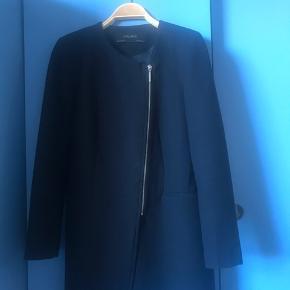 Zara Basic collection str m mørkeblå i fin stand