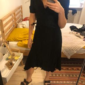 boii wrap dress