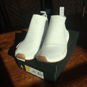 Sælger ud af skoene! Byd endelig😃  Str. 42 2/3 og svarer til 42,5 i nike sko.