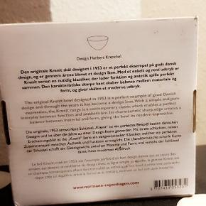 Helt ny æske med Norman Copenhagen skål i 13cm Ø, til 100kr Hentes fra Nørrebro,sendes eller leveres