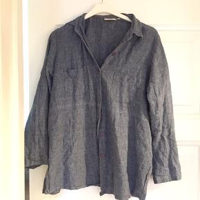 Denim skjorte, rigtig god stand, kan anvendes på flere måder