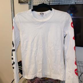 Comme des garcons trøje lille i størrelsen ikke brugt særlig mange gange bys endelig!✌🏽