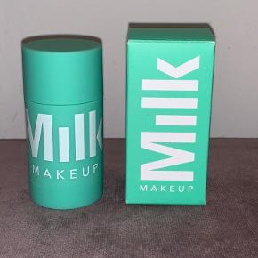 Milk makeup matcha face mask.  30 g.  Ny i æske.