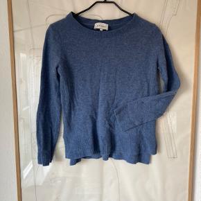 Six Ames, uld sweater / trøje med rib strik kant, str. M men passer s / 36. Dejlig blød og varm. Let, løs pasform.  Basic strik til vinter. Brugt få gange. Afhentes evt. på Holmbladsgade, KBH S.