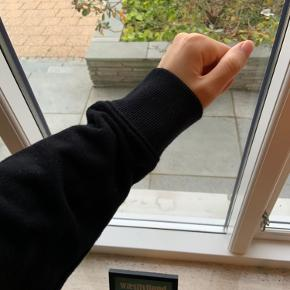 Fed hoodie fra The North Face🌸 Damemodel str. L, dog svarer trøjen til str. s/m🛍