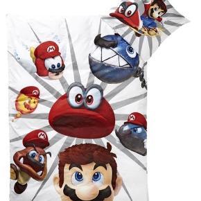 Nyt Super Mario sengetøj til voksen dyne. Kan sendes med DAO for 45kr