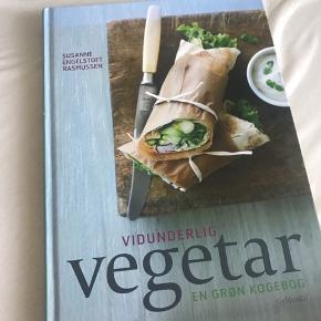 Vidunderlig vegetar en grøn kogebog Nypris: 300 Pris: 120 kan afhentes i Vanløse eller sendes på købers regning   Tjek mine andre annoncer ud🛍