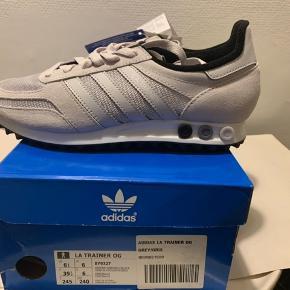 Lysegrå LA trainer sneakers fra Adidas i str 39