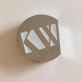 Kjær Weis glow bronzer. Farve Revel Brugt nogle gange