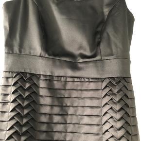 H&M smuk klassisk kjole når den er bedst❣️ Aldrig brugt Str. 38