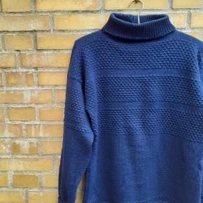 Den originale sailor trøje. Estimeret sm -l. Ren uld, i pæn stand.  Fri fragt i efterårsferien.