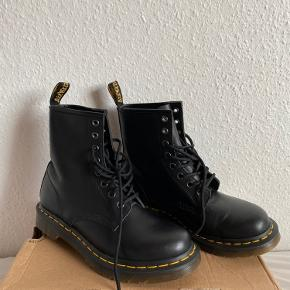 1460 PASCAL VIRGINIA BOOTS  Åben for bud