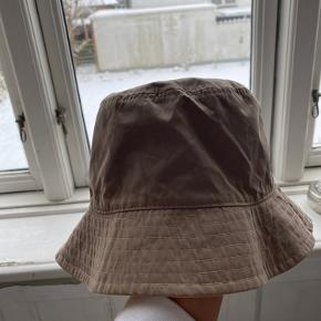 Bershka Hat & hue