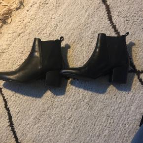JoDis heels