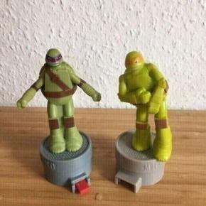Ninja turtles figurer -fast pris -køb 4 annoncer og den billigste er gratis - kan afhentes på Mimersgade 111 - sender gerne hvis du betaler Porto - mødes ikke andre steder - bytter ikke