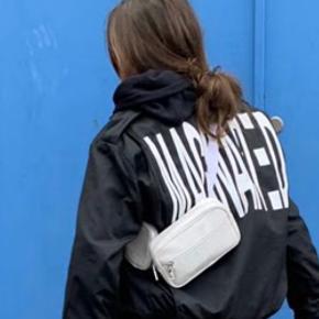 MAGNAFIED jakke