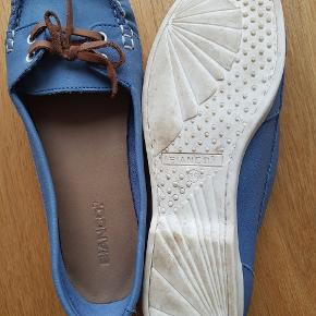 Fine sko fra Bianch i str. 36. Kun brugt én gang.   Sælges for 50 kr. pp.