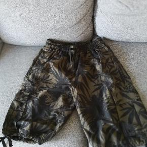 Fine mande shorts sælges. Ses og købes i Kolding :)