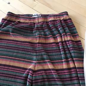 2 par bukser; Molo stribet str 164 Zara creme/guld 11-12 år Min datter har brugt begge par da hun var 12 år