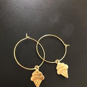 Guld Hoops med isvaffel på 18k guld belagt