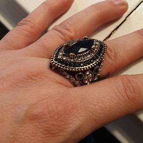 Stor gypsy/ boheme ring med sten  Se flere smykker under min profil
