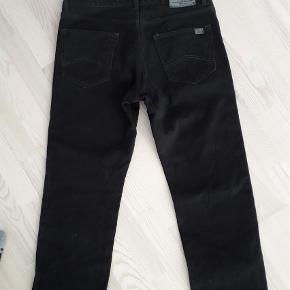 """Brand: Marlboro Classic Varetype: Jeans Størrelse: 34/34"""" Farve: Sort  Sælges billigt - alt skal væk"""