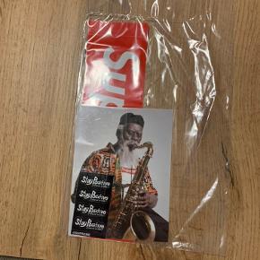 Supreme FW20 Sticker Packs  Har flere forskellige, der er en pakke mere end disse 3 som kan vises ved besked.   75,- pr. sticker pack  Endelig henvend sig hvis der er spørgsmål angående klistermærkerne.
