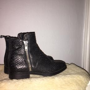 Rigtig fine støvler fra Billi Bi, kun brugt 3 gange